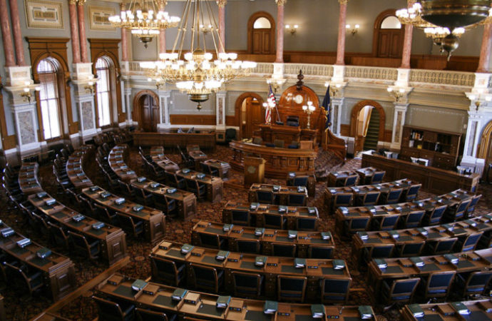 Court: Legislature Should Resist Splitting up of Powers Violation